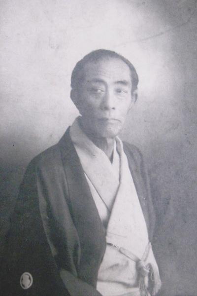 日本で最初にネクタイを作った小山梅吉さん